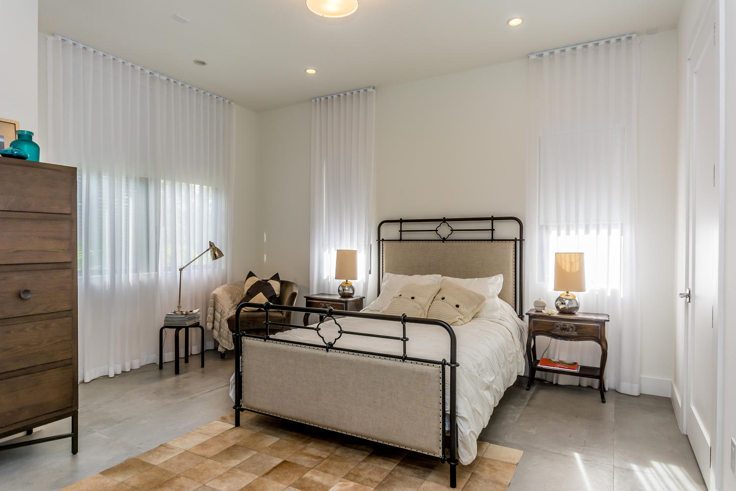 Bayshore Dr, Coral Gables - Interior Design and Decoration